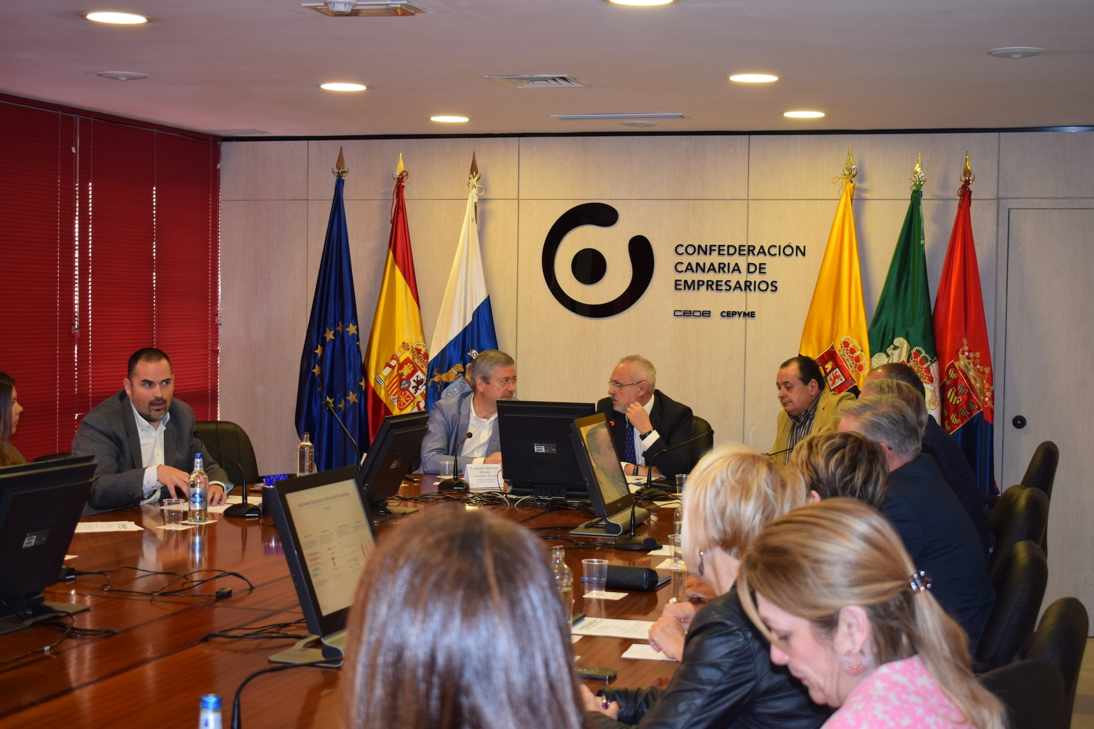 22gradosº presenta en la Confederación Canaria de Empresarios el informe Panorama de medios y publicidad en Canarias 2013-2017