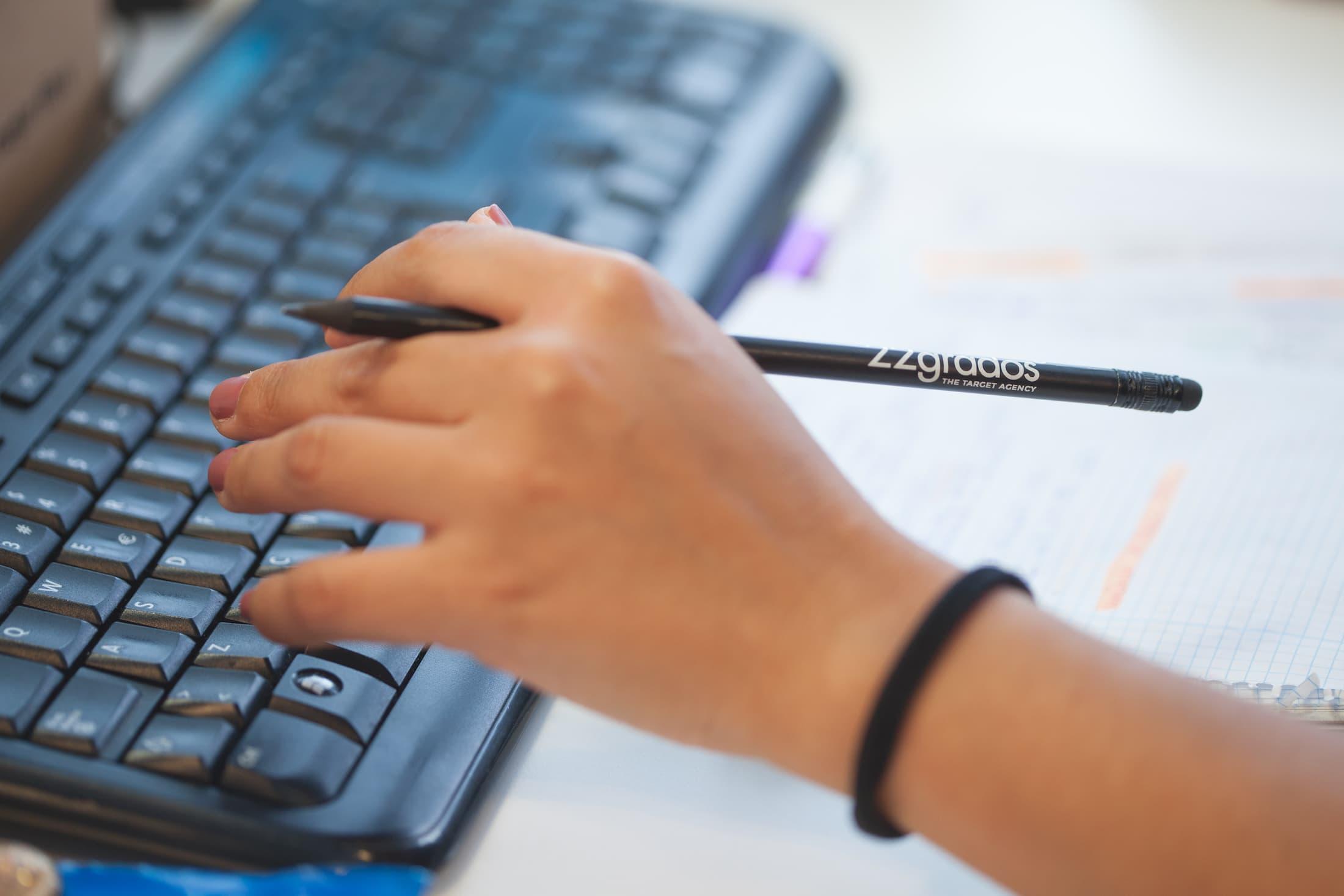 Buscamos perfiles de diseñador y desarrollador Front-End para unirse a nuestro equipo en 22gradosº